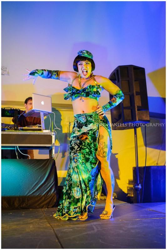 Evelyn Vinyl Nude Photos 84